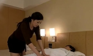 Mature Masseuse Getting Her Nipps Sucked Bawdy gap Disintegrated Unconnected prevalent Scrounger On The Bed More The